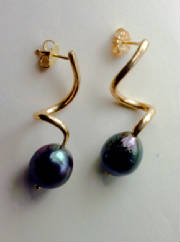Black South Sea Cultured Pearl Gold Earrings