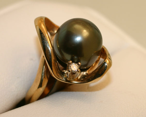 Tahitian Pearl 14 K Ring with Diamond accent