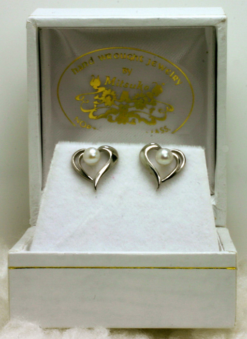Earrings, White Gold Heart, Cultured Pearl Centers