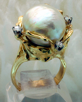 Ring, Baroque South Sea Cultivated Pearl, Diamonds