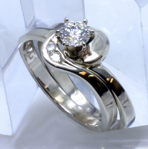 "Wedding Set ""Hugging"" 14K, Center Dimond, 2 accent"