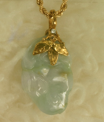 "Jadite Gold Pendant ""3 Leaves and Dewdrops"" #6586"