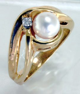 Ring, 14K Gold, Akoya Cultivated Pearl, Diamond