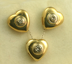 Gold Heart Set, Pendant and Earrings, Diamonds